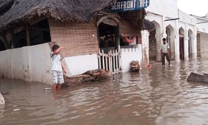Streets of Lamu county flooded as Indian Ocean overflows