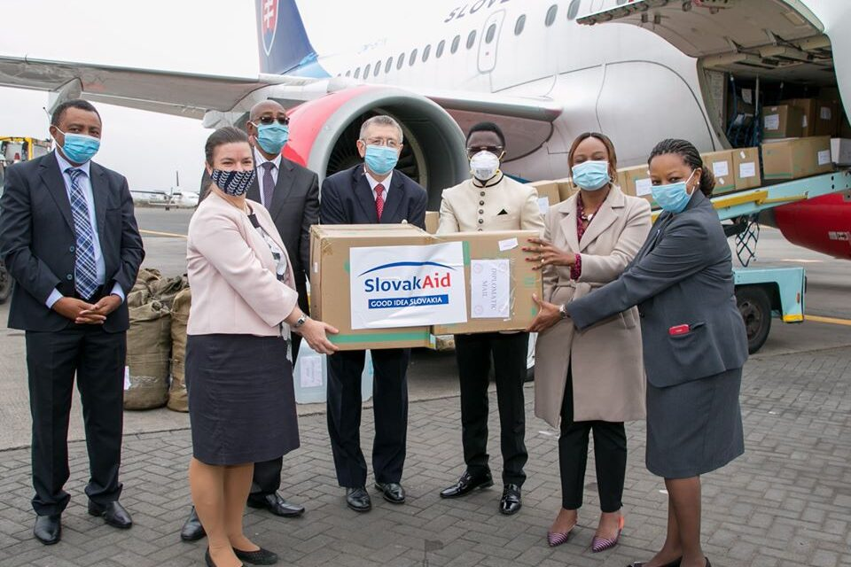 First Lady Margaret Kenyatta has applauded the Government of Slovak Republic for expressing solidarity with Kenya in the fight against Coronavirus by donating COVID-19 humanitarian aid.