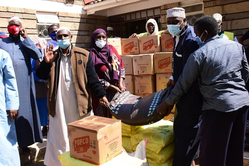 About 260 Sheiks, Imams, and Madrassa teachers drawn from 62 mosques in Isiolo Central have today benefitted from relief food donated by the Department of Special Programmes- County Government of Isiolo.